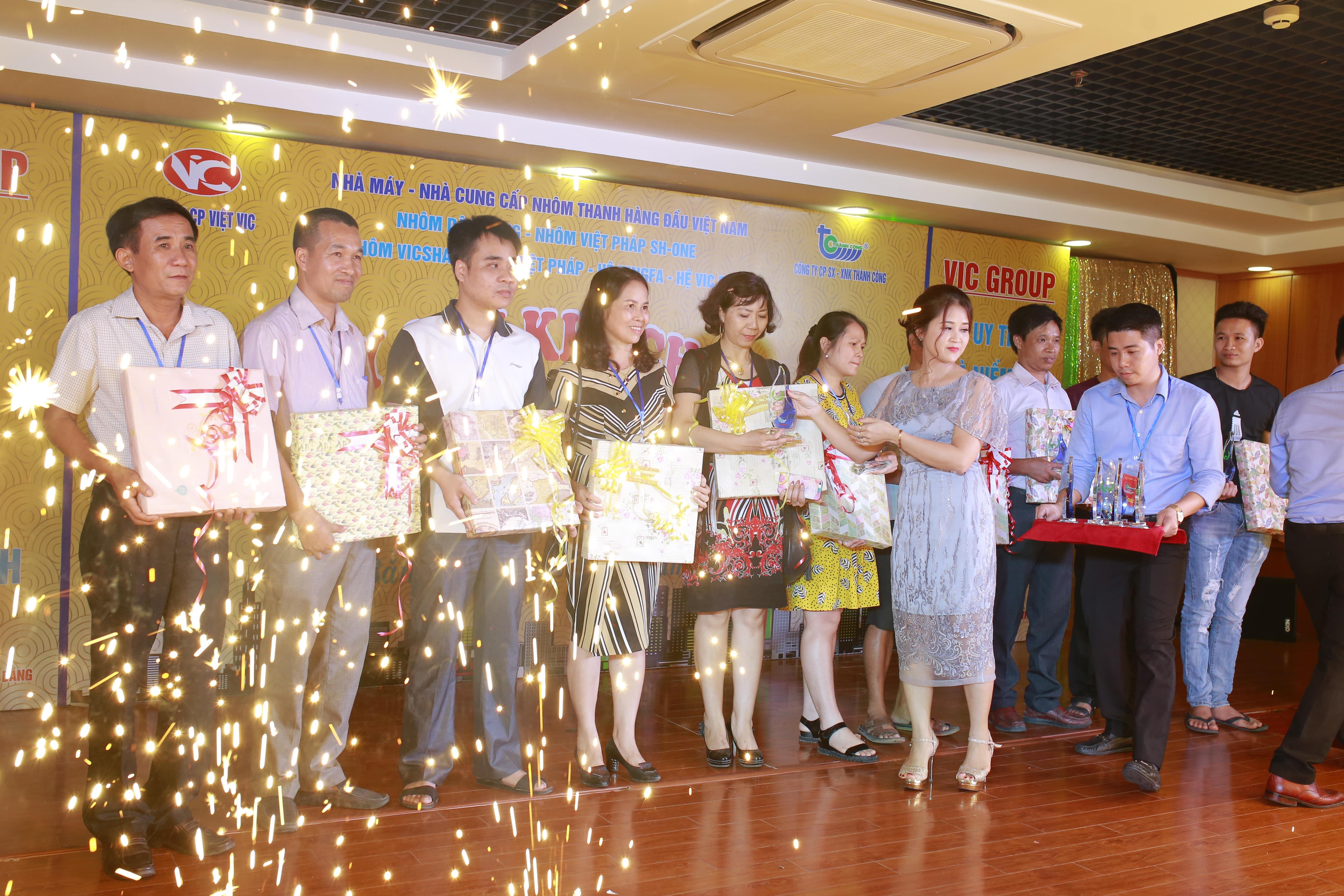 Sự Kiện Tháng 7 Của VIC GROUP Hội Tụ Khách Hàng 2 Tỉnh Bắc Kạn - Cao Bằng